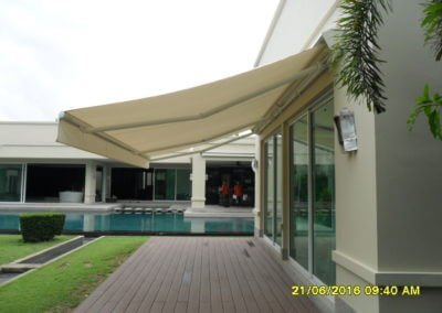 retractable awning showing cover